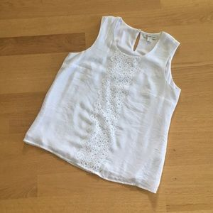 COLDWATER CREEK med white sleeveless top with lace
